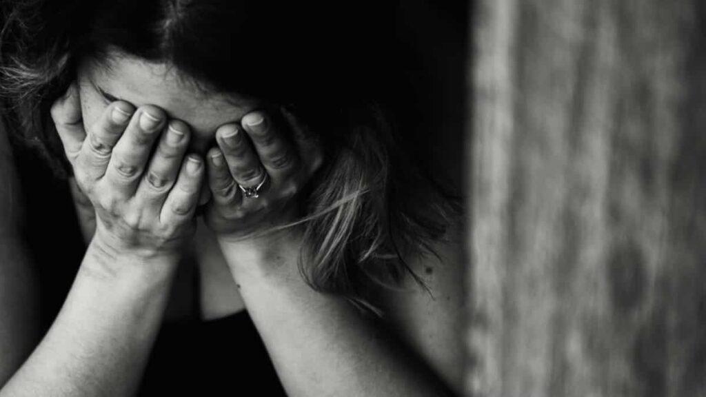 depresion, como afrontar la depresion, que hacer si estoy deprimida, como ayudar a alguien con depresion, enfrentarse a la depresion